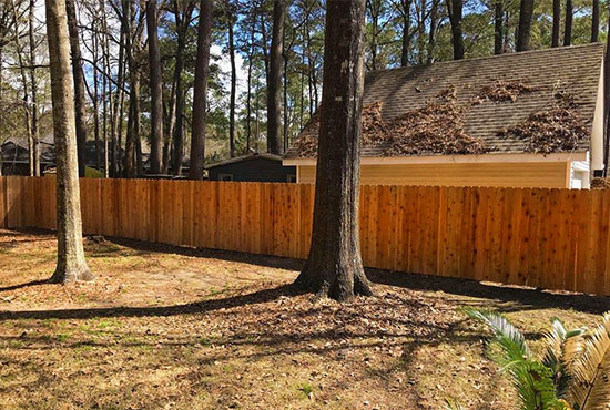 wood-privacy-fence-next-to-workshop-AFTER